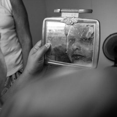 Fabíola Marciana Soares, 39 anos, solteira, câncer, cuidados paliativos, atendimento pelo SAD (Serviço de Atendimento Domiciliar) oferecido pelo IMIP (Instituto de Medicina Integral de Pernambuco), SUS.Fabíola é uma pessoa com muito bom humor, receptiva e / Fabíola Marciana Soares, 39 anos, solteira, câncer, cuidados paliativos, atendimento pelo SAD (Serviço de Atendimento Domiciliar) oferecido pelo IMIP (Instituto de Medicina Integral de Pernambuco), SUS.Fabíola é uma pessoa com muito bom humor, receptiva e